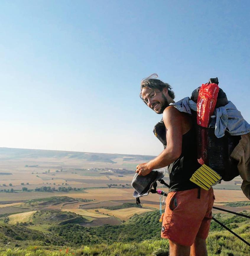 Der Ausblick über San Anton mit selbst gebasteltem Rucksack